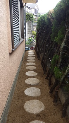 大阪府飛び石施工後